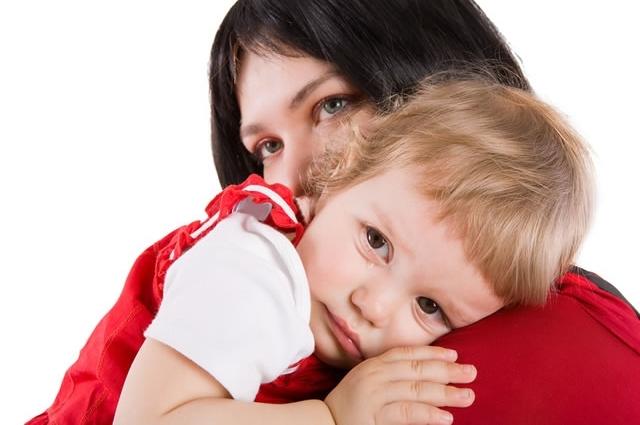 обнимаем ребенка